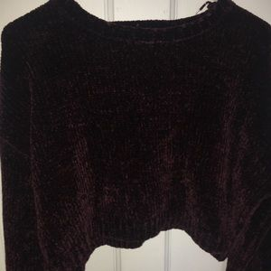 Cropped long sleeve sweater!
